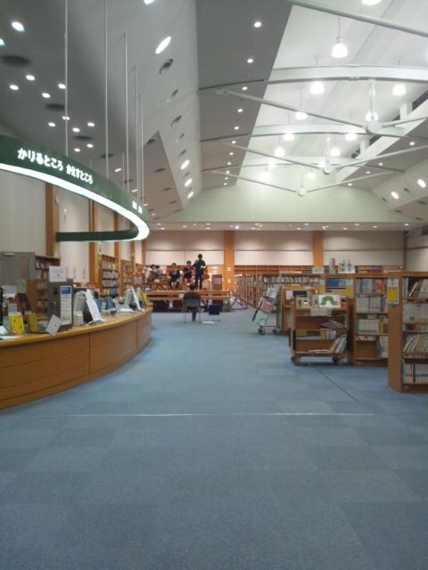 図書館で!!